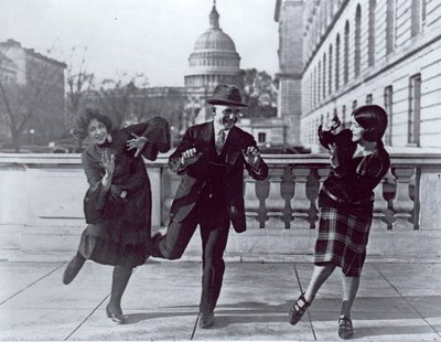 8.2 mcmillan-thomas-full-charleston-1920s-dance